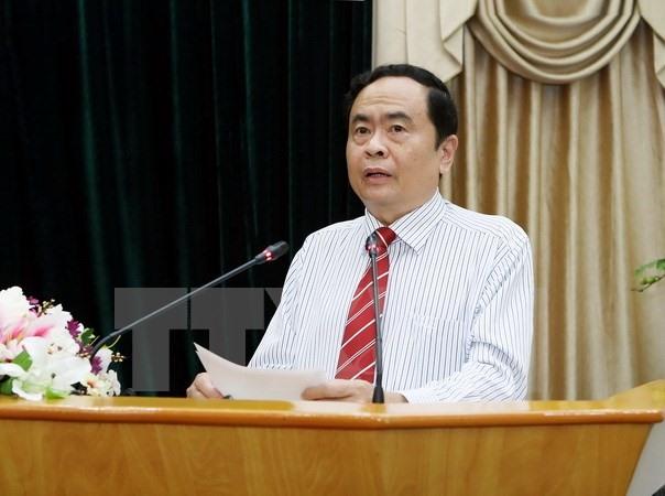Vietnamese Lao Fronts discuss enhancing ties