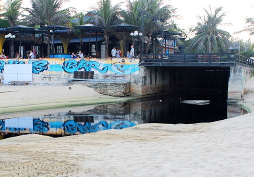 Two projects found discharging wastewater into beaches