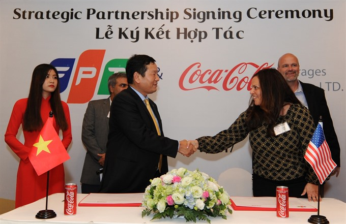 FPT signs strategic deal with Coca Cola Việt Nam