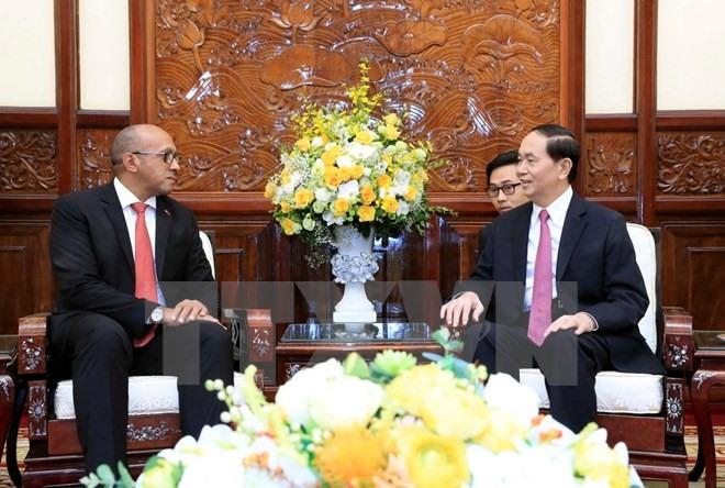 President Trần Đại Quang receives outgoing Cuban ambassador