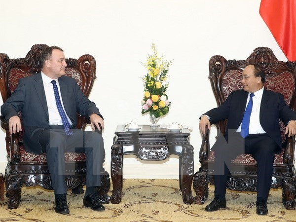 PM hosts outgoing Slovak ambassador