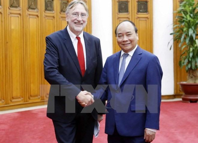 Prime Minister Nguyễn Xuân Phúc INTA Chair talk EVFTA signing