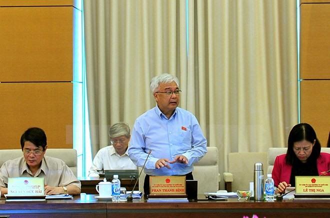 Corruption report exposes bribery