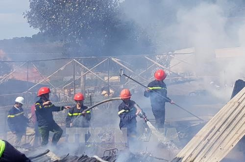 Fire destroys four houses in Lâm Đồng