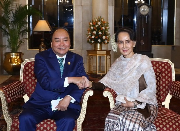 PM meets regional leaders in India