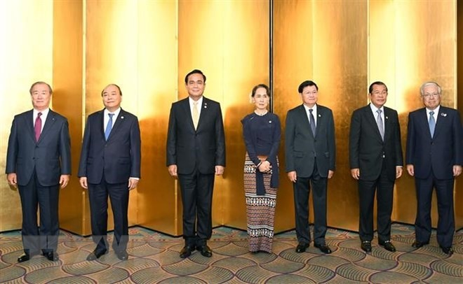PM Phúc holds meetings at Mekong-Japan summit