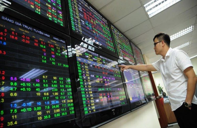 Trade news dampens local stocks