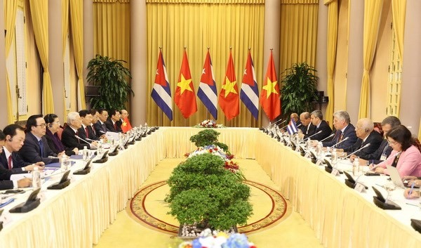 Leaders agree to raise VN-Cuba trade to 500m