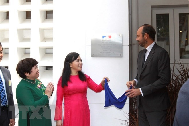French PM attends opening of medical centre in HCM City