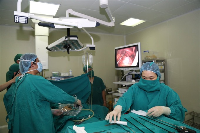 Hà Nội doctors operating successfully a rare appendicitis case