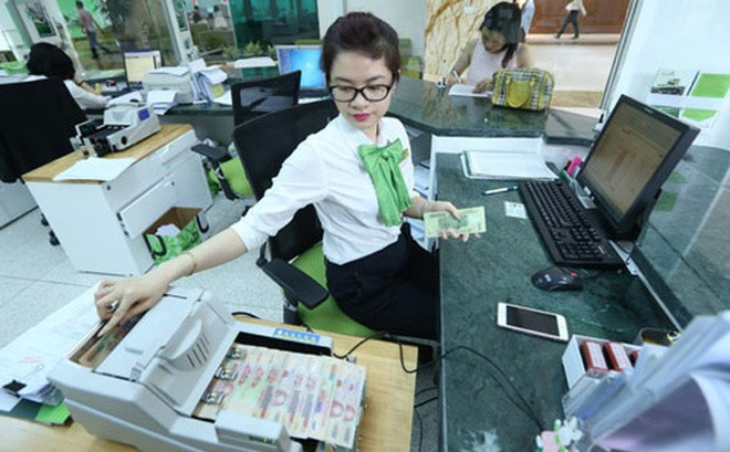 Banks earn increasing profits from services