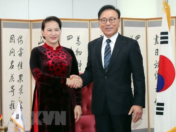 NA Chairwoman hosts VNs Honorary Consul General in RoK region
