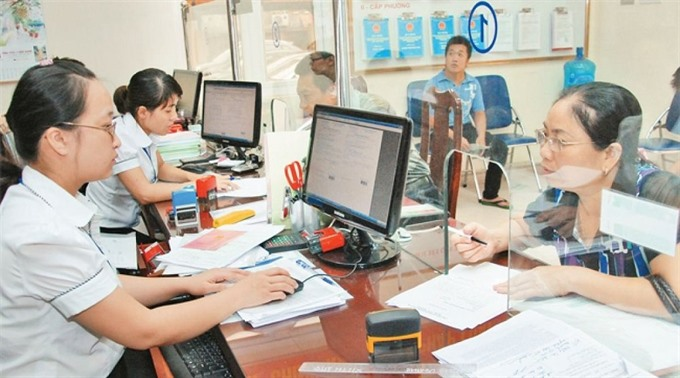 Hà Nộis offices to fire 4300 staff next year