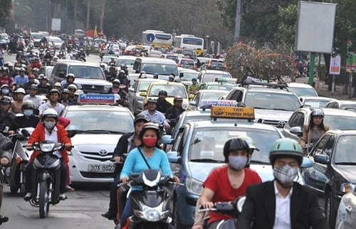 City neighbours make plans for traffic safety during Tết