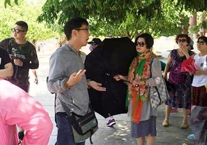 Đà Nẵng cracks down on foreign tour guides