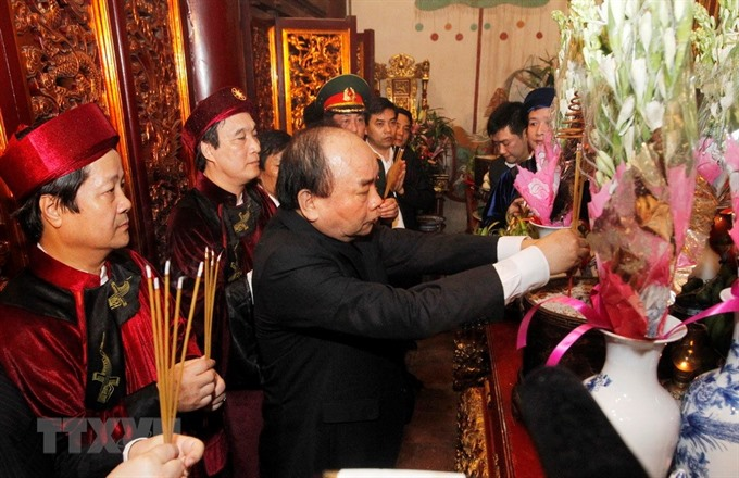 Incense offering ceremony held in honour of Hùng Kings
