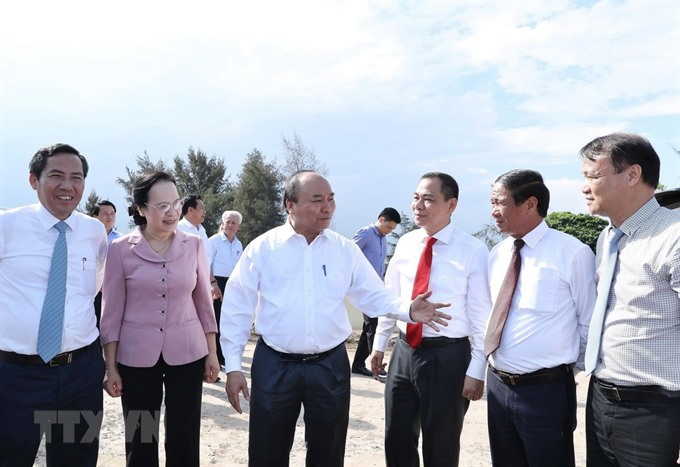 PM hopes for Vingroups contributions to domestic auto industry