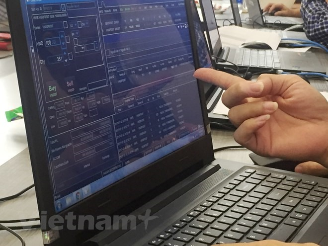 VN stocks rise despite trade war