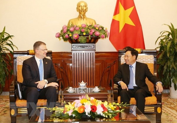 Deputy PM Phạm Bình Minh receives US ambassador