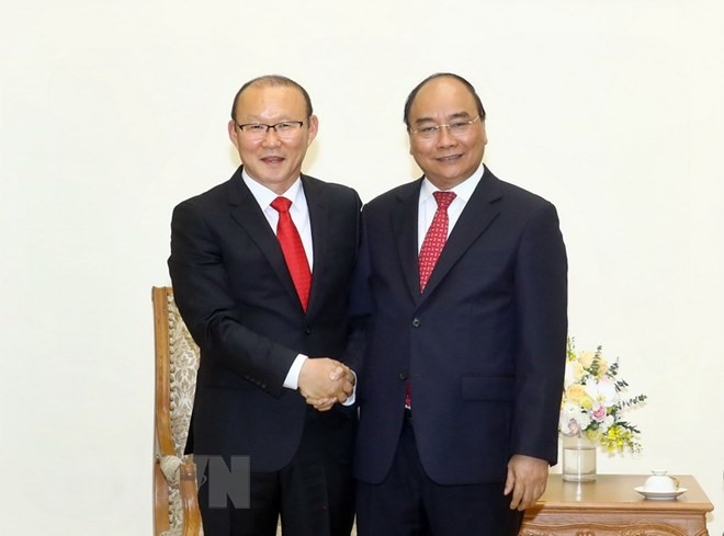 Prime Minister hosts mens football coach Park Hang-seo