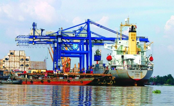 State to explore fee cuts for shipping companies