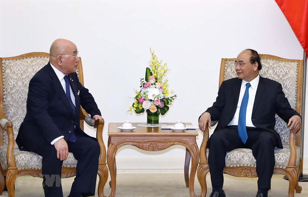 PM Nguyễn Xuân Phúc hosts Special Advisor to Japanese Cabinet
