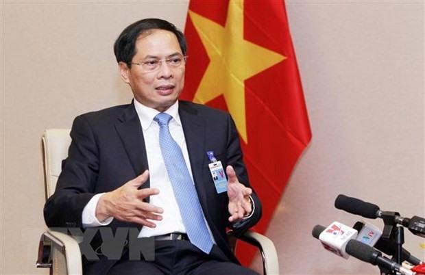 PMs special envoy visits France