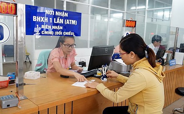 Hà Nội police to fine firms owing social insurance