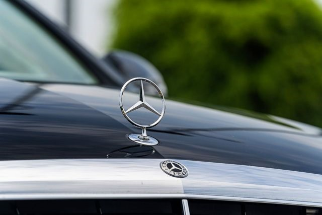 Mercedes Benz Vietnam recalls nearly 1800 C200 cars for inspection
