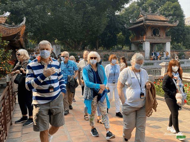 Travel agenciespromotesmall group tours wellness activitiesatlocal destinations