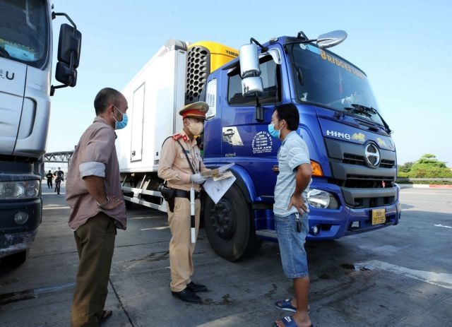 Hà Nội sets up22 checkpoints to stop COVID-19 spread