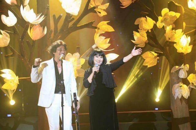 Music shows bringChristmas cheer toHCM City
