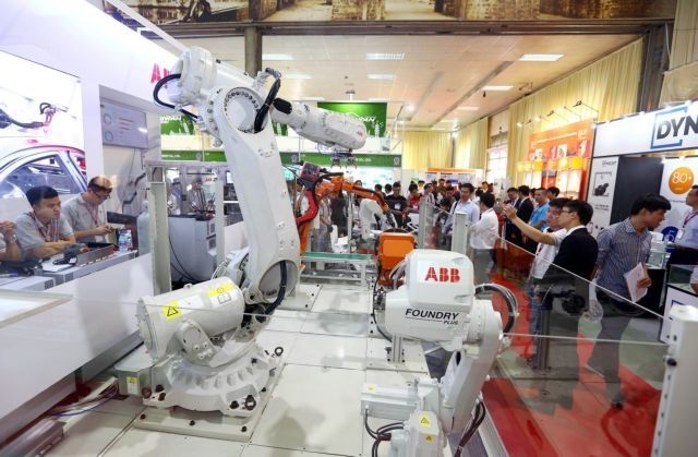 Manufacturing and support industry expos open in Hà Nội