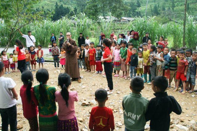 Needy kids enjoy Mid-Autumn Festival delights