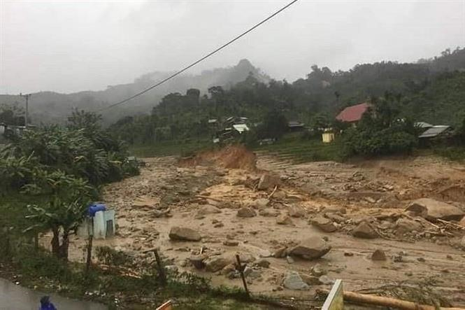 Another landslide in Quảng Nam buried 11 people