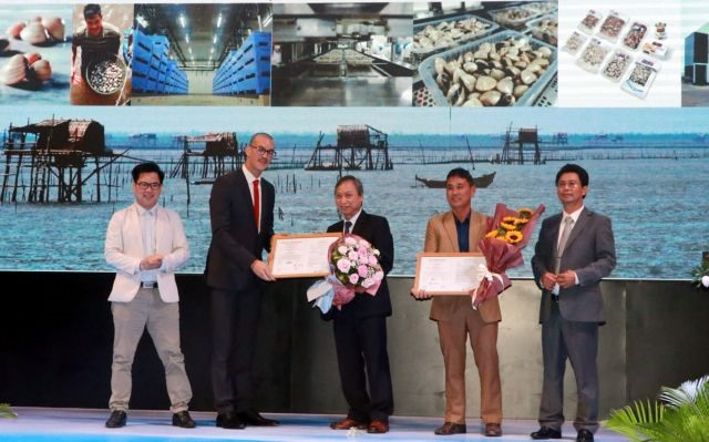 Vietnamese hard clams first in world to win ASC certificate