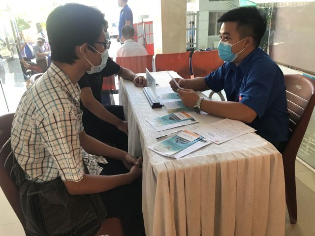 HCM City provides employment assistance for young laid-off workers