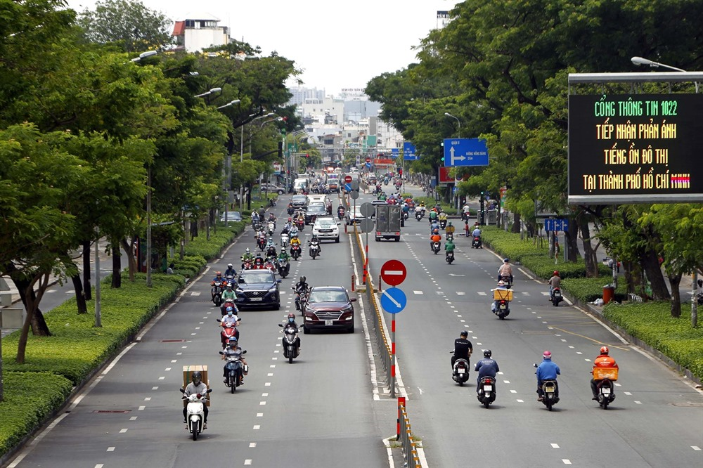 HCM City to begin strict lockdown from Monday military forces tohelp supply food to people