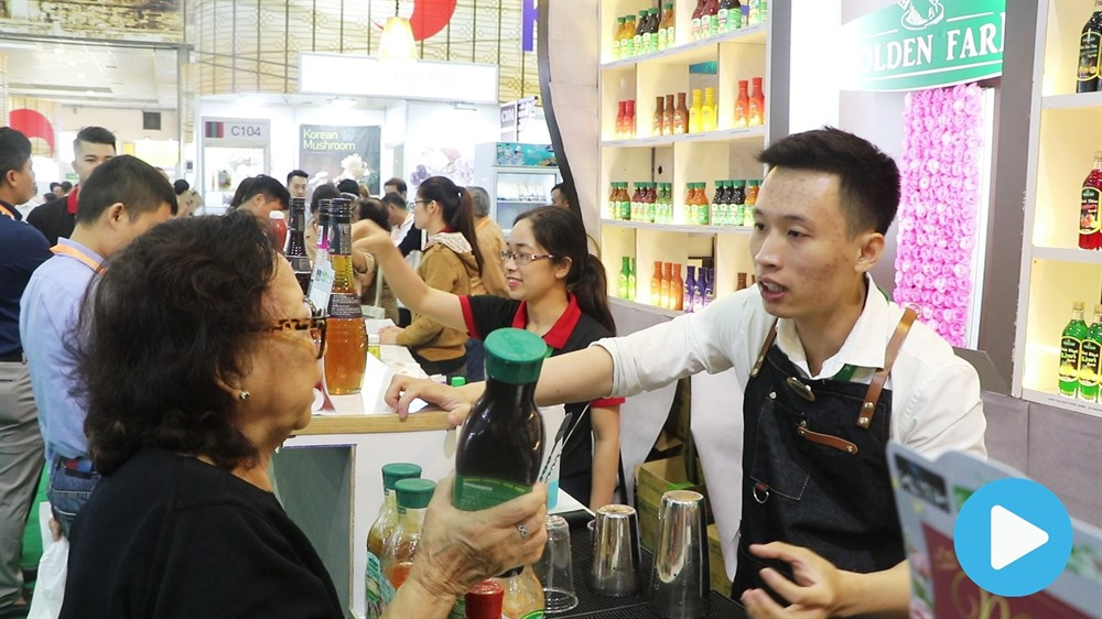 Intl food beverage expo takes place in Hà Nội