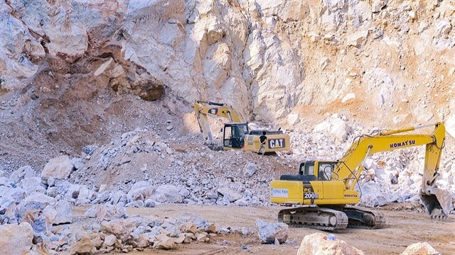 Two dead and one missing after quarry landslide