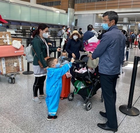 More than 340 people return home from San Francisco