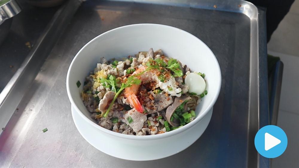 Nom nom Vietnam - Episode 54: Phnom Penh noodle soup