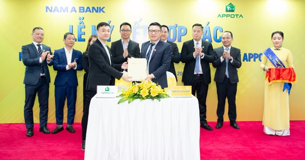 Nam Á Bank co-operates with AppotaPay e-wallet