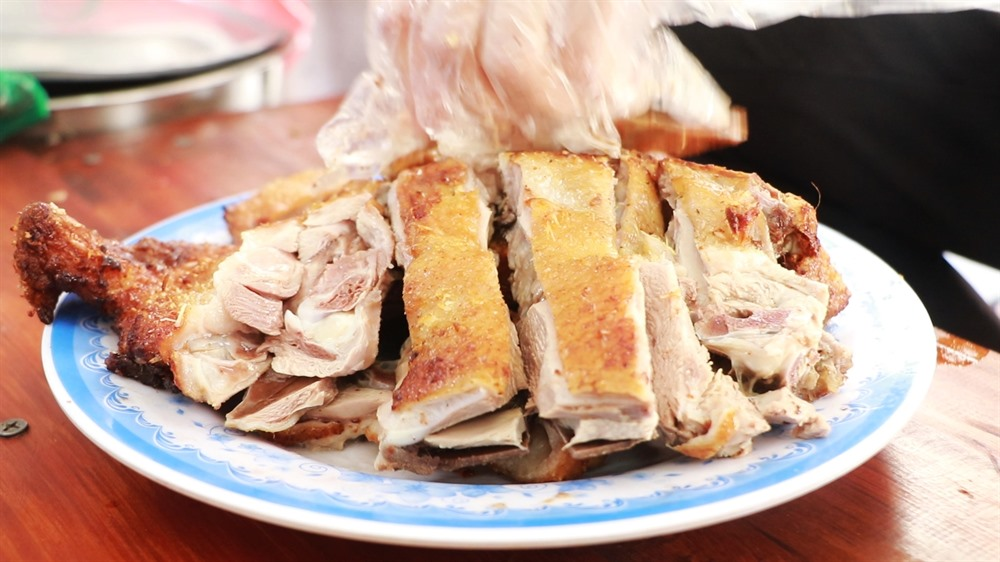 Assorted duck dishes a delightful Hà Nội delicacy