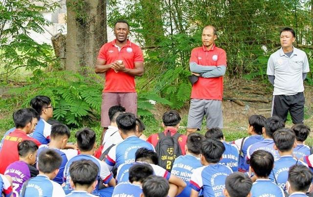 Việt Nam now home for retired Nigerian footballer