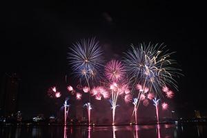 Happy Bridge night champs: Hong Kong or Italy?