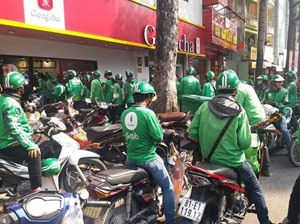 GrabFood heats up Viet Nams food delivery market