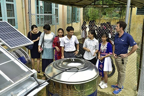 Water distillation system using solar radiation installed at secondary school