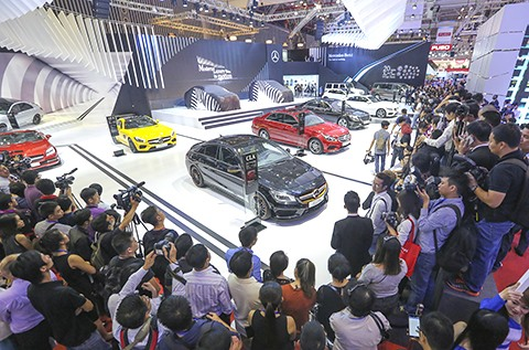 Mercedes-Benz Vietnam celebrates 25th anniversary