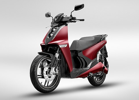 Vinfast announces launch of two new electric motorcycle models and O2O shopping experience